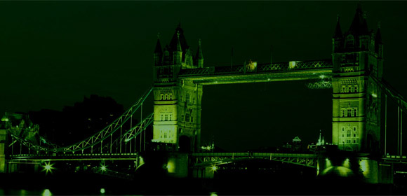 Tower Bridge v noci